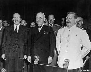Attlee, Truman, Stalin, forzaron la emigracion