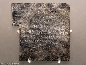 Ejemplo de tablilla de la maldición, que los dioses castiguen