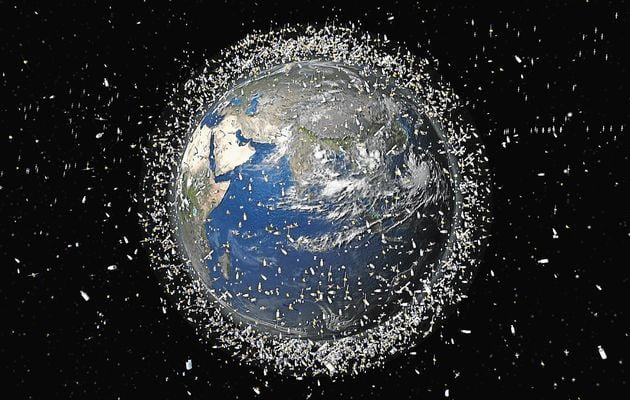 Imagen falsa del planeta y la basura espacial