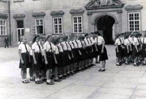 Jovencitas alemanas al servicio de Hitler