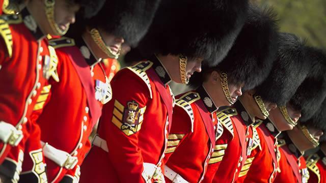 Guardias ingleses con sus sonbreros