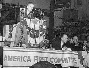 Lindbergh dando un discurso en la AFC